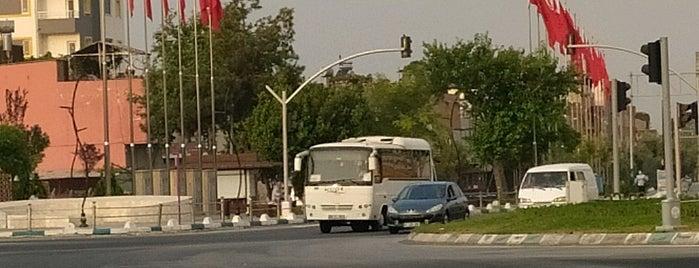 Bayraklı Park is one of Ahmet'in Beğendiği Mekanlar.