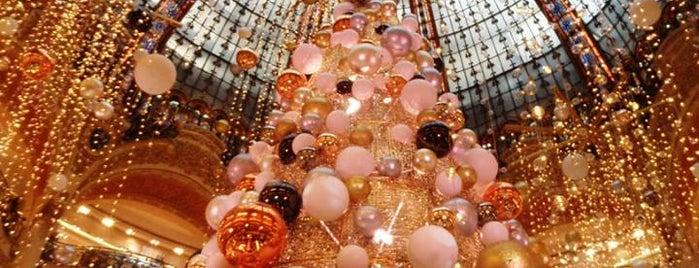 Galeries Lafayette Haussmann is one of Hernan'ın Beğendiği Mekanlar.