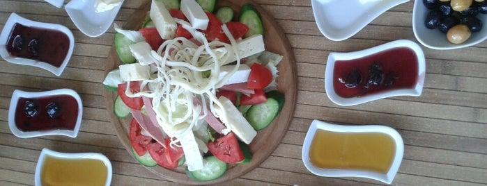 Kıbrıs Cafe & Dondurma is one of osman : понравившиеся места.