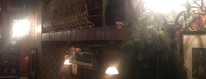 Black Swan Pub is one of Peter'in Beğendiği Mekanlar.