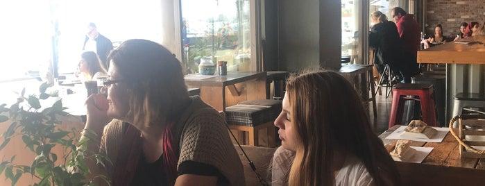 High School pizza bar is one of Carl : понравившиеся места.