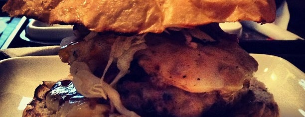 Bullys Burger is one of FatList - Frankfurt [DE].