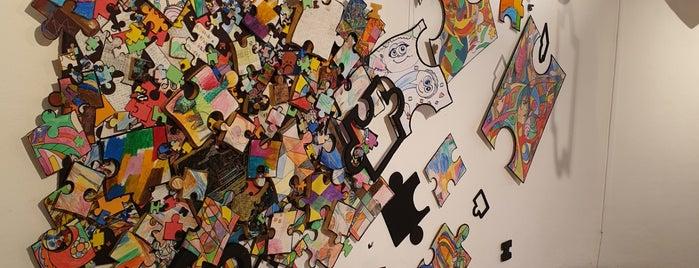 Taksim Cumhuriyet Sanat Galerisi is one of Yekta'nın Beğendiği Mekanlar.