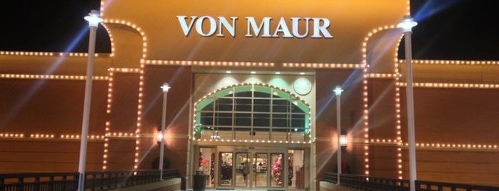 Von Maur is one of The Great Twin Cities To-Do List.