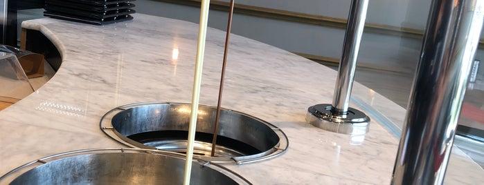 Ladins Coffee is one of Queen'in Kaydettiği Mekanlar.