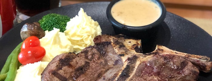 Della steak house | دلا استيك هوس is one of Tempat yang Disukai H.
