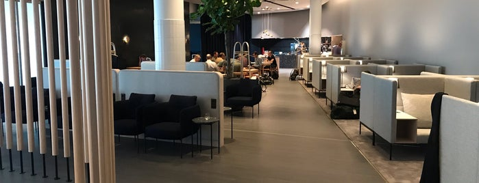 Finnair Premium Lounge is one of Orte, die Thomas gefallen.