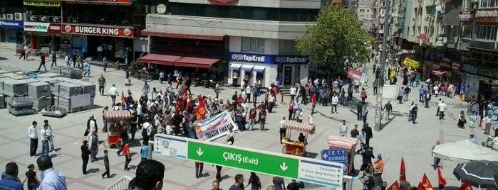Şirinevler Meydanı is one of En çok check-inli mekanlar.