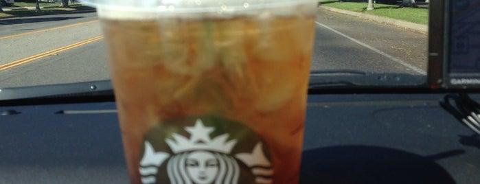 Starbucks is one of Tempat yang Disukai Blake.