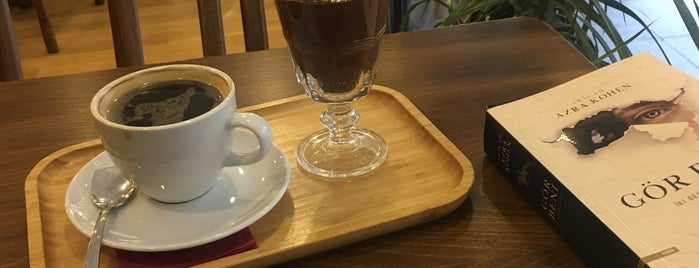 Nükte Çikolata & Kahve is one of Ozgur: сохраненные места.