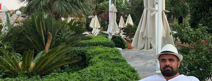 Voyage Bodrum Beach Bar is one of Orte, die Mahmut gefallen.