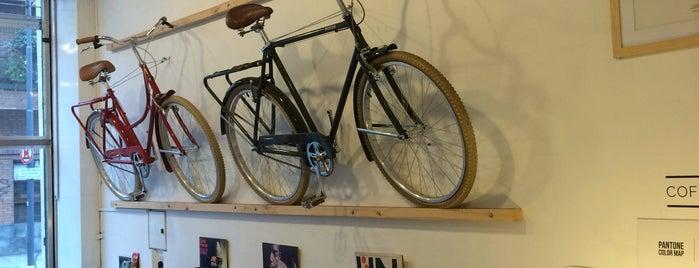 Rouen Cycling is one of Locais curtidos por Victoria.