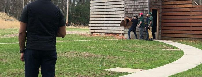 Blue Mountain Shooting Range is one of Jacek'in Beğendiği Mekanlar.