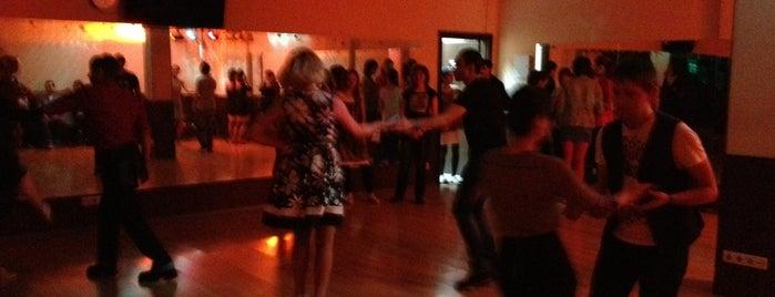 Dance Studio Jamm is one of Lugares favoritos de Nadya.