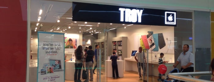 Troy Apple Store is one of Posti che sono piaciuti a Melissa.