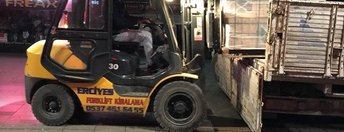 Şaşmaz Forklift Kiralama is one of Mehmet 님이 저장한 장소.
