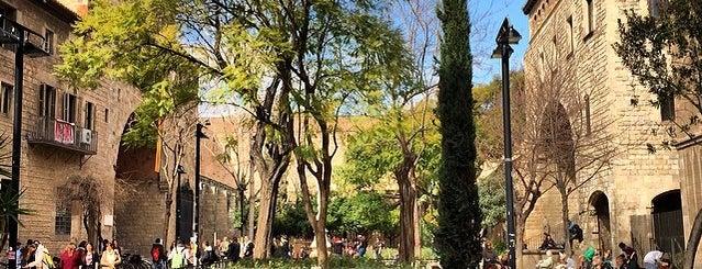 Antic Hospital de la Santa Creu is one of barcelona • outdoor.