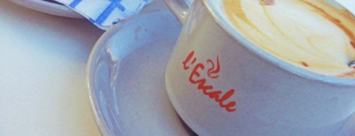 Café l'Escale is one of Yemede yanında yat....