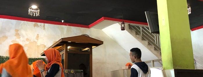 Soto Ayam Lamongan Cak Har is one of Locais salvos de Veronica.