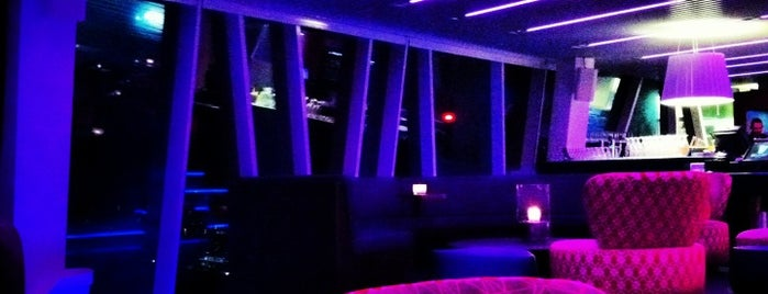 Sky Bar is one of Locais curtidos por Arsentii.
