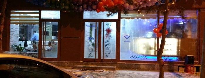 Cafe Eylül is one of Lugares favoritos de Mehmet.