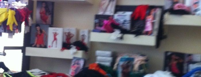 Liana's  Uderwear & Accessories is one of Locais salvos de ma.