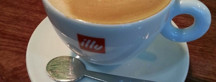 illy トランジットカフェ 那覇空港店 is one of The 20 best value restaurants in ネギ畑.