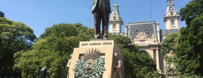 Plaza Pres. Juan Domingo Perón is one of Mis lugares.