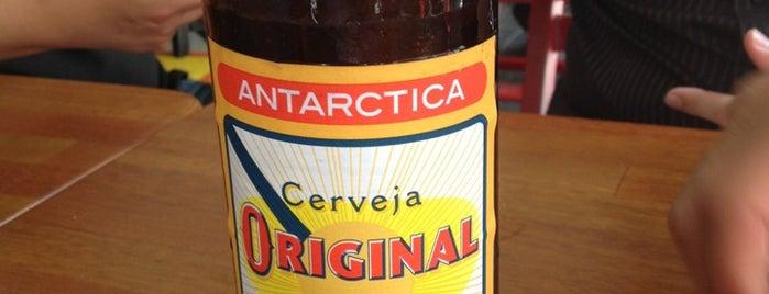 Monarca Bar & Café is one of Drinking.