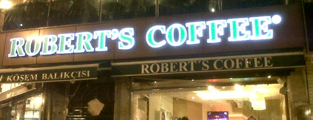 Robert's Coffee is one of Tempat yang Disukai Özge Kızal.