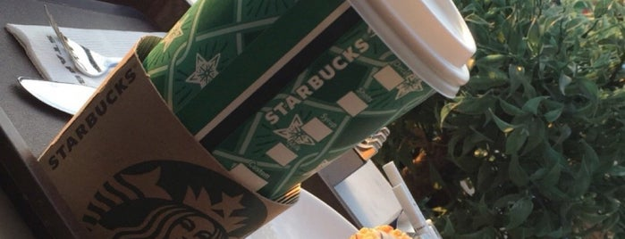 Starbucks is one of Brkgny 님이 좋아한 장소.