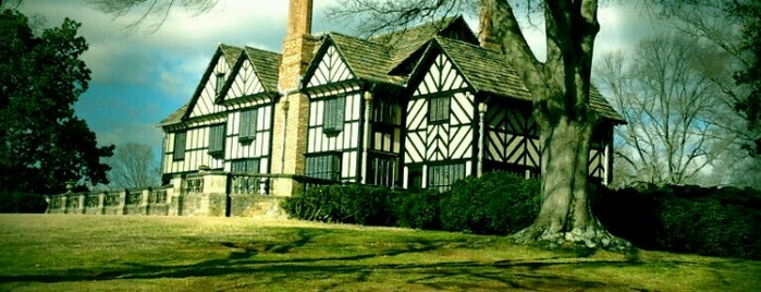 Agecroft Hall is one of Virginia Jaunts.