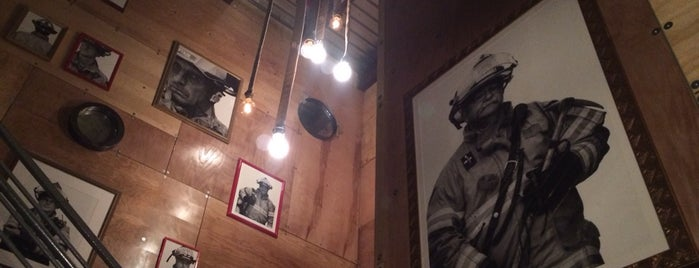 Fenton Fire Hall is one of Justin Eatsさんのお気に入りスポット.