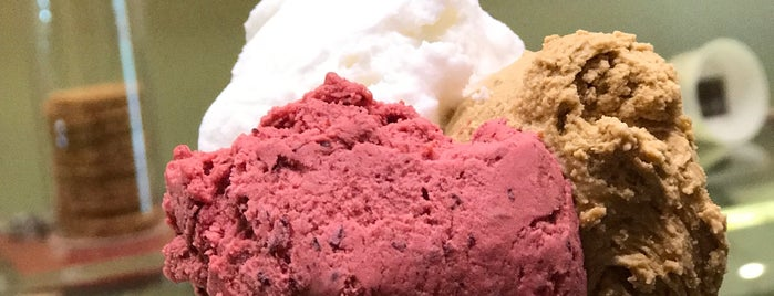 Gelateria Cavour is one of Italie: Lombardie et lacs.