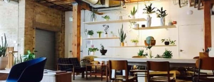 Forth Café is one of Sophia 님이 좋아한 장소.