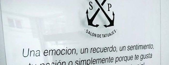Sin Prejuicio salón de tatuajes is one of Lugares favoritos de Carolina.