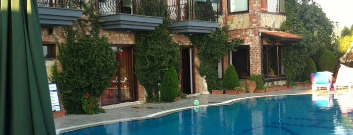 Papazlikhan Butik Hotel is one of Edremit.