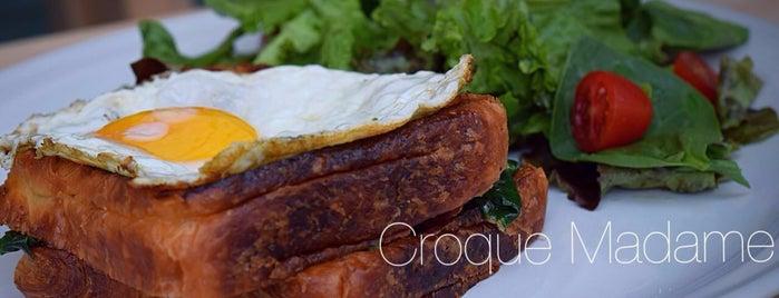Mora is one of Café + Desayunos.