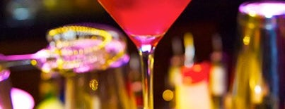 Martini Bar at Gulfstream Park is one of Happy Hour #VisitUS.