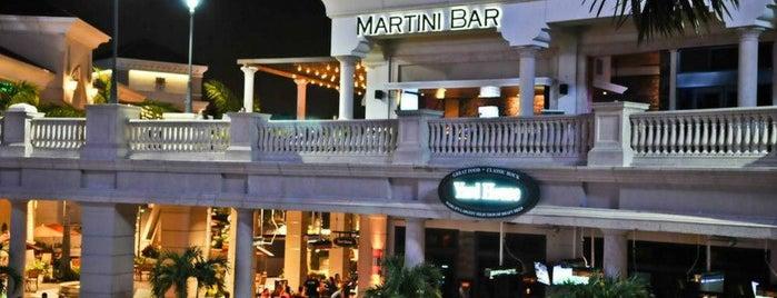 Martini Bar at Gulfstream Park is one of Orte, die Laura gefallen.