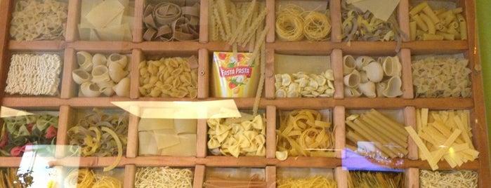 Fasta Pasta is one of Lugares favoritos de dugwin j..