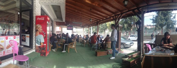 Akademi Cafe is one of ferhat.