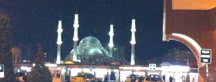 Konya Şehirler Arası Otobüs Terminali is one of Lugares favoritos de Nur.