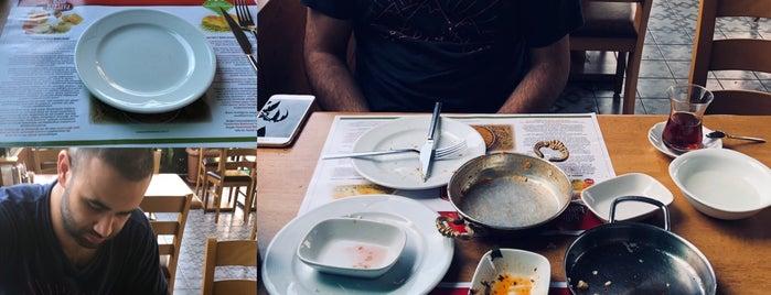 Baklavacı Mehmet Yıldırım is one of To-eat list Istanbul.