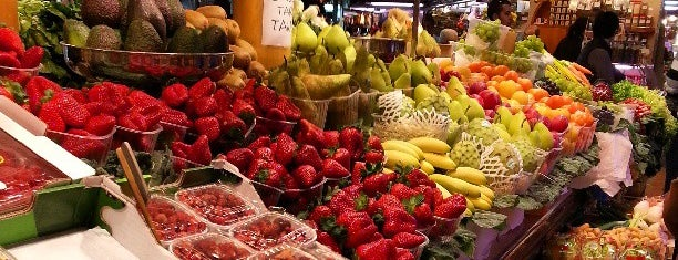 Mercat de Sant Josep - La Boqueria is one of Bucket List: Barcelona.