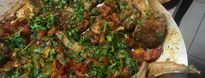 Netto Cafe & Restaurant is one of Gizemli'nin Beğendiği Mekanlar.