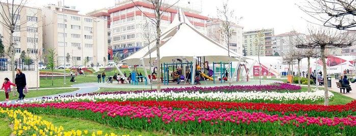 Haznedar 15 Temmuz Şehitler Parkı is one of Sevgililer Günü 2019 Mutluluklar Getire.