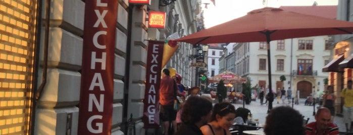 Antik Cafe is one of Locais curtidos por Mojmír.