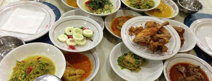 Restoran Garuda is one of Foodie women.