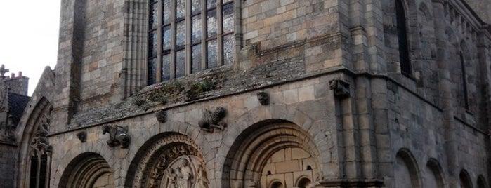 Basilique Saint-Sauveur is one of Bretagne.